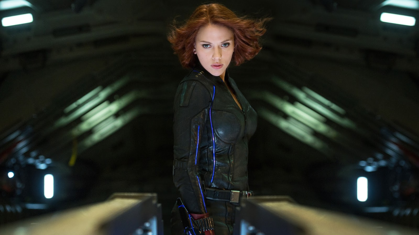 Scarlett Johansson in Movie The Avengers HD Wallpaper