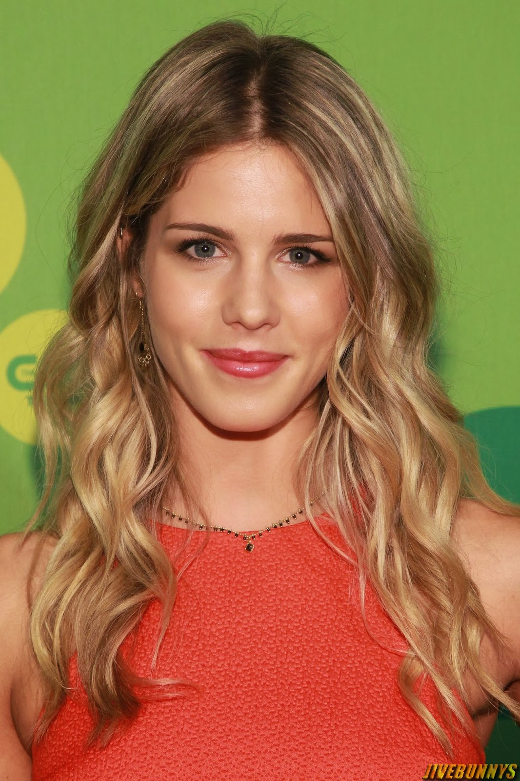 Emily Bett Rickards Hot Actress Photos Gallery 1