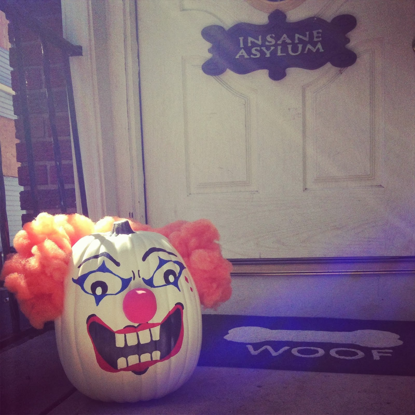 The crafty mom painted pumpkin clown for Clown pumpkin painting