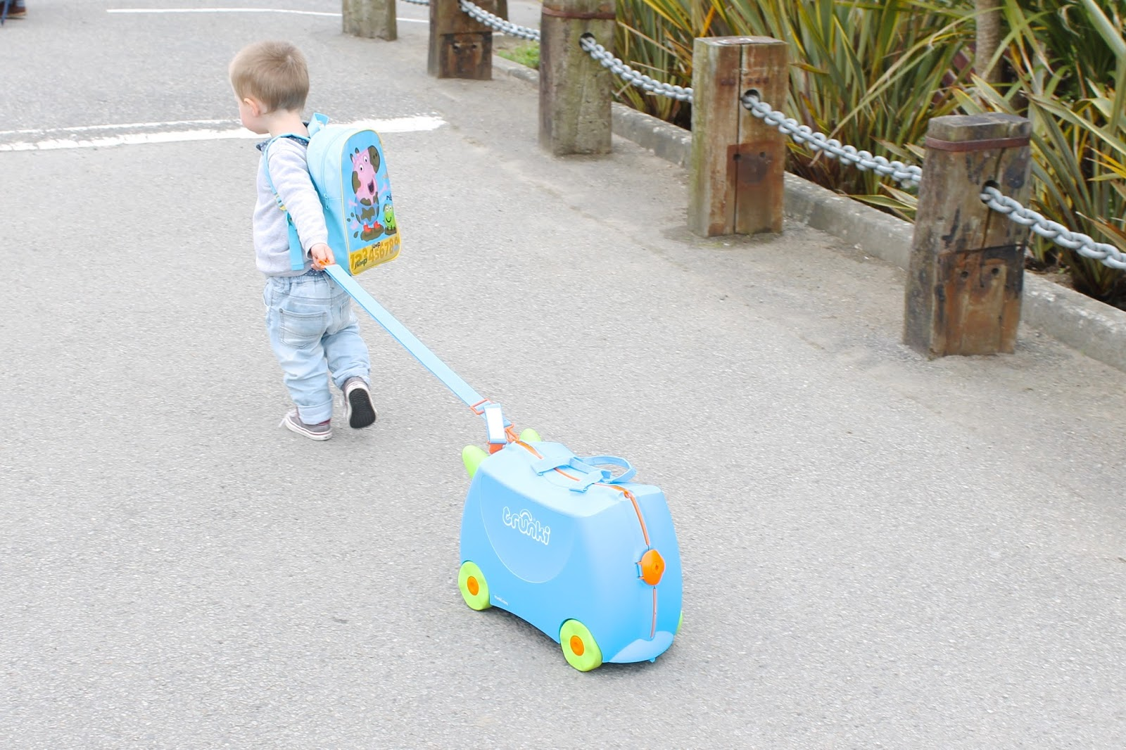 Trunki Terrance, Trunki Review and Gveaway