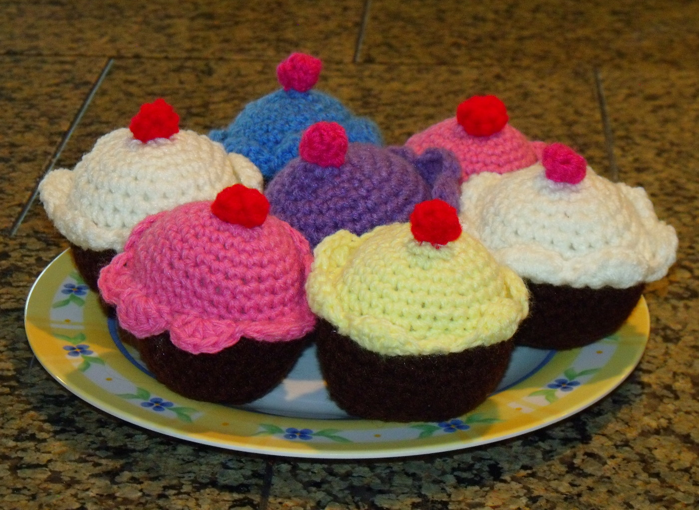 Crochet Pattern Free Cupcake : Easy Crochet Cupcake Pattern Free Squidoo Auto Design Tech