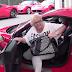 Όταν η μαμά οδήγησε τη Ferrari! (video)