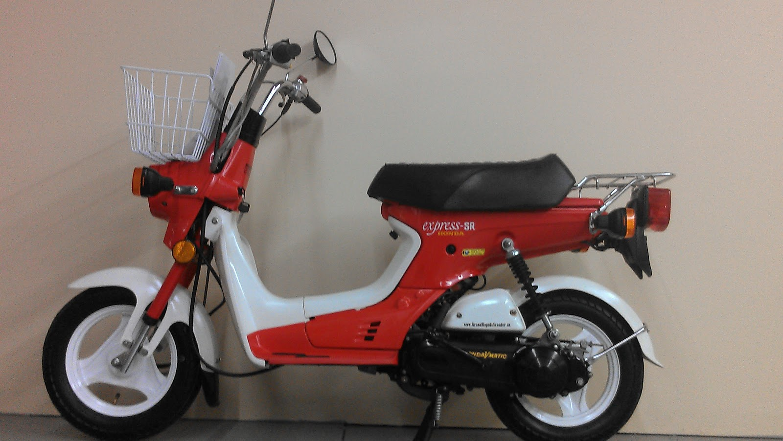 1981 Honda Express SR moped scooters RARE  Grand Rapids Scooter