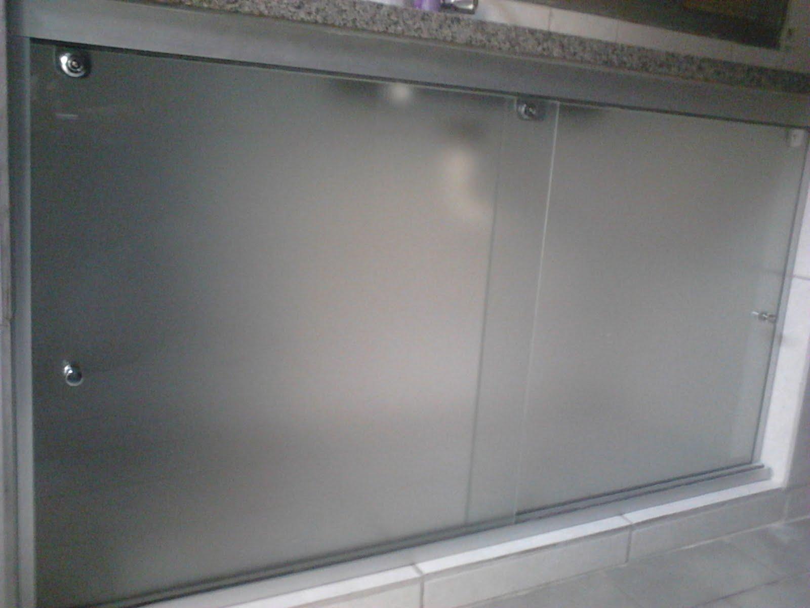 FRANCO VIDROS TEMPERADOS: Fechamento Pia com vidro #57514E 1600 1200