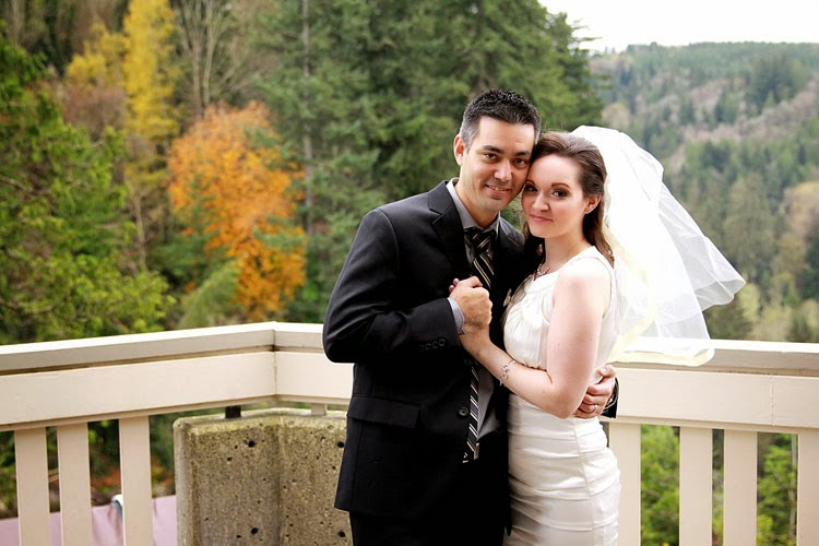 Joe & Michelle decided on a fall wedding at the Salish Lodge & Spa - Kent Buttars, A Heavenly Ceremony