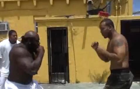 Real street fight - kimbo
