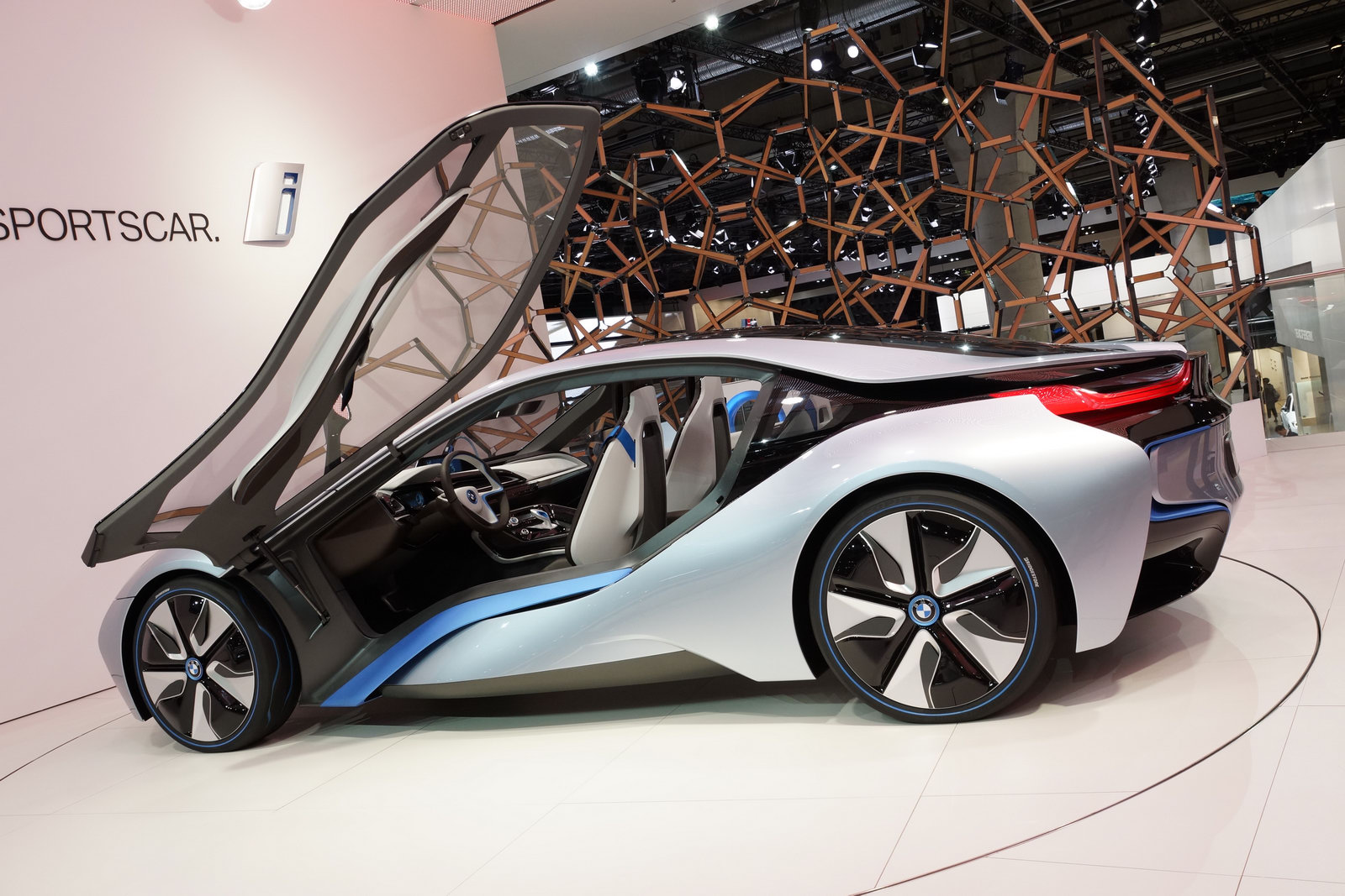 http://3.bp.blogspot.com/-I5kOqUnBBNk/TuDTLFzDpSI/AAAAAAAABWo/UCHj-hDmZRc/s1600/2013-BMW-i8-99.jpg