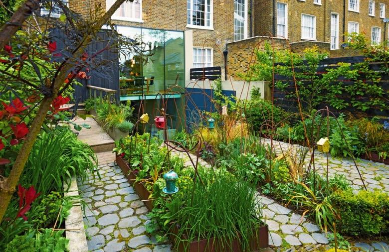Jard n urbano como una gran jardinera for El jardin urbano
