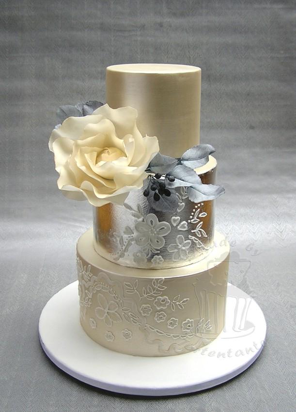 Hochzeitstorte Zuckerblüte Rose Silber Schimmer Glanz cake wedding silver leaf