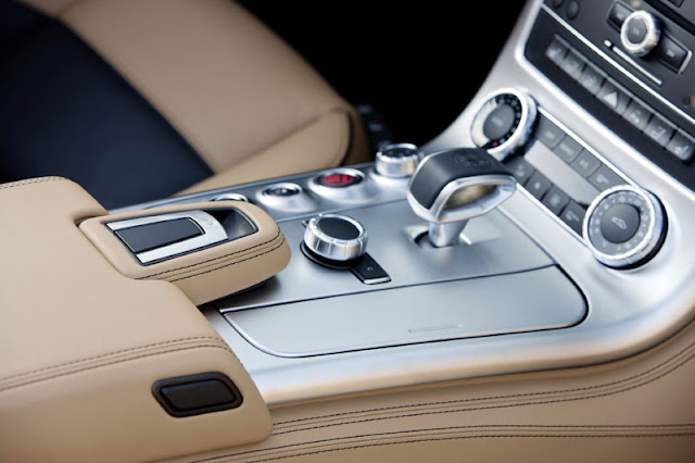 2012 Mercedes Benz SLS AMG Roadster interior