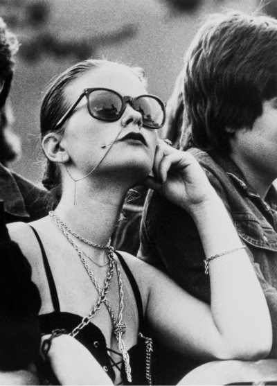 the rise of punk in 70s This paper explores how a variety of female punk acts were seen as  the  1970's in britain displayed a rise in feminism and for human rights.