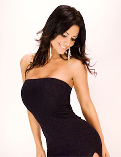 Denise Milani Pictures