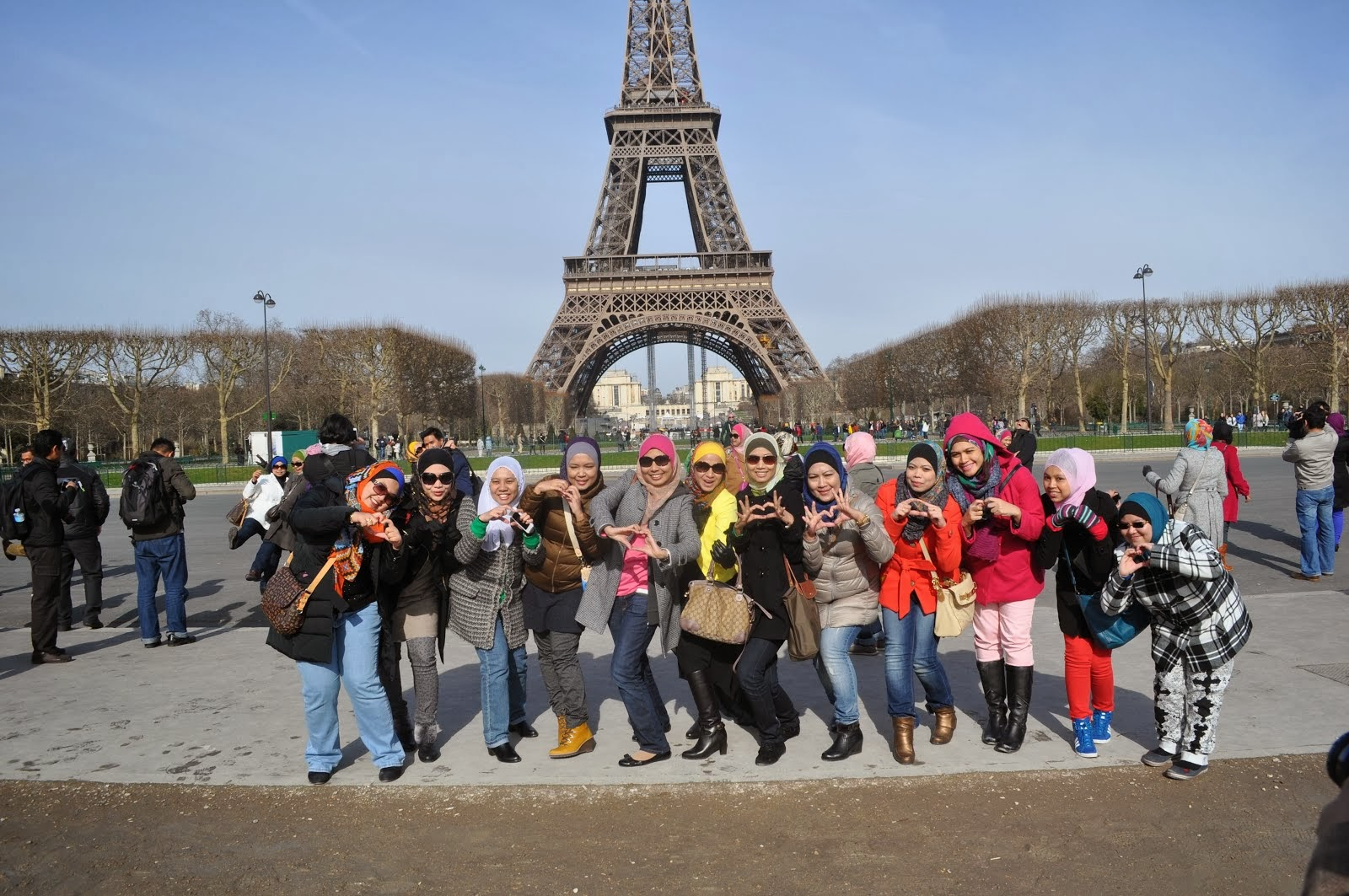 Free travel to Paris!!!