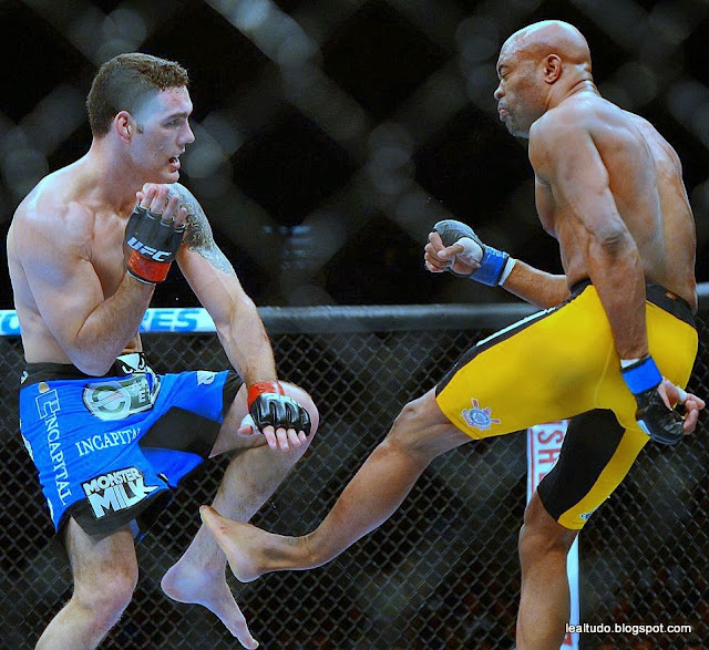 Anderson Silva Fratura Perna Quebrada Luta UFC 168 Foto Fotos - lealtudo