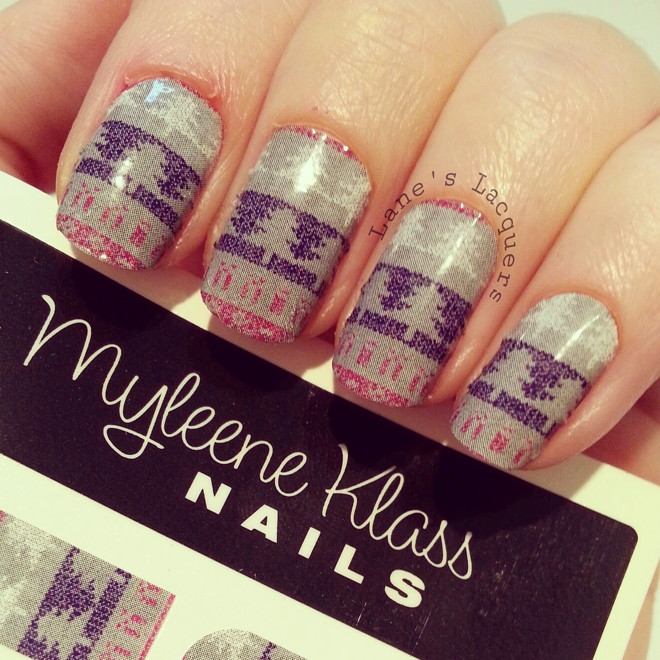myleen-klass-christmas-jumper-nail-art-stickers-manicure (2)