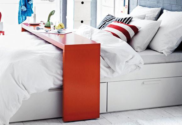 Hogares frescos leer trabajar y desayunar en la cama - Mesa para la cama ikea ...