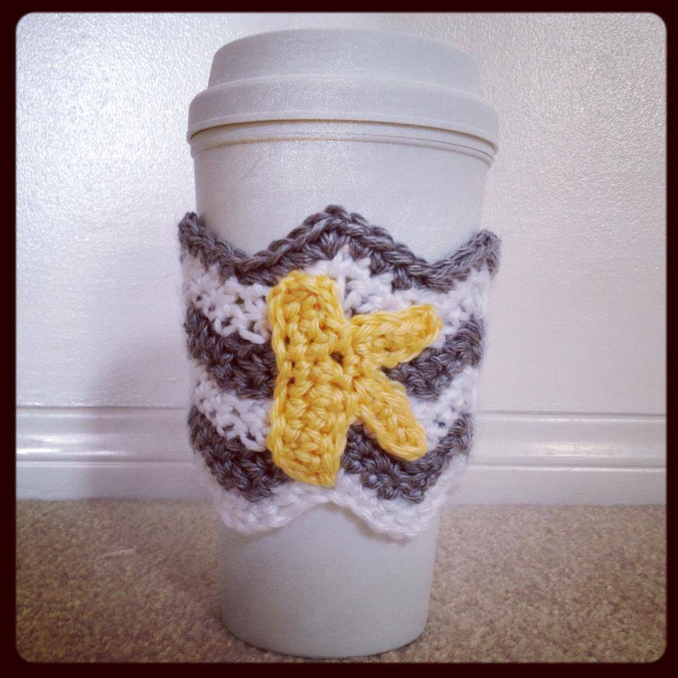 This crochet pattern is made to fit a recycled tumbler, which ...