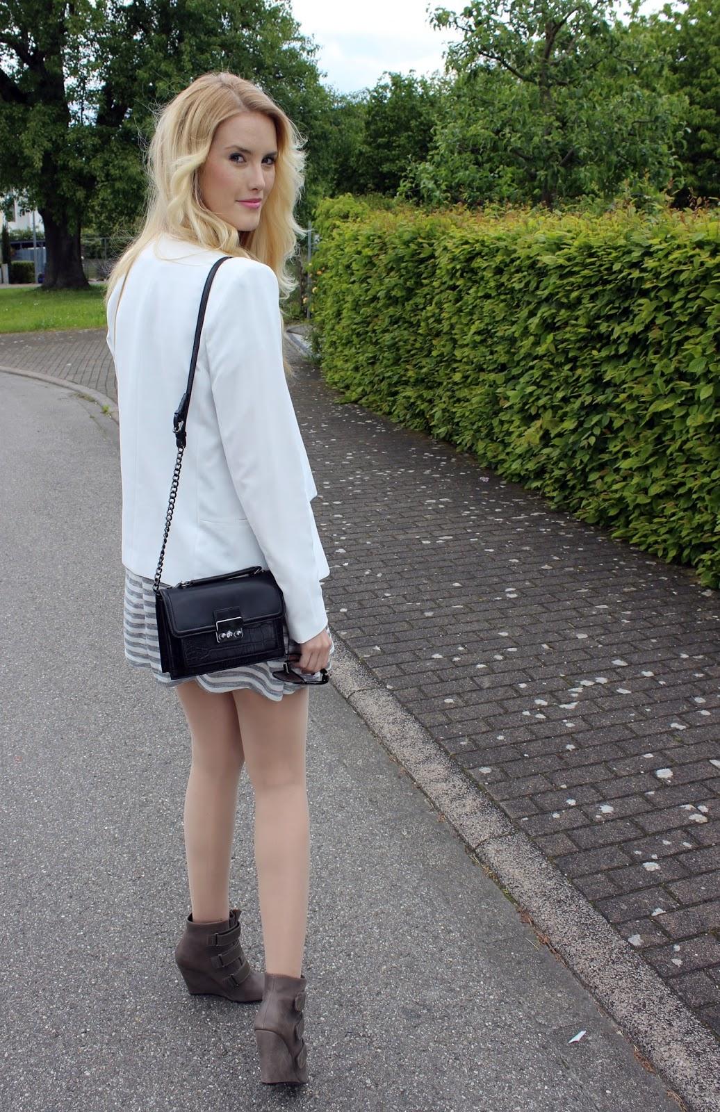 Grey striped dress WalG stripes blazer white ootd TheBlondeLion