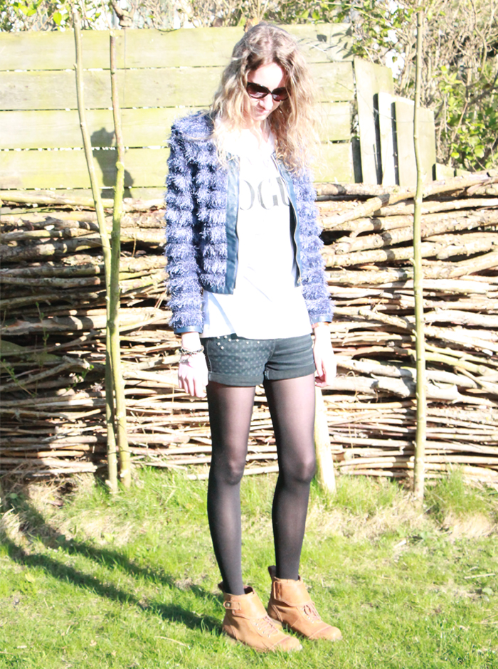 Just addicted | Avelon | Vogue | WE | Timberland | Opsobjects | Fuse Communication | DKNY | Marc by Marc Jacobs | fashion blogger | cocker spaniel | english cocker spaniel | april fashionreports | freakdelafashion | joep de stylist | wit zwart | black white | styling | outside | oootd