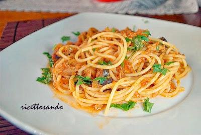 spaghetti tonno e olive