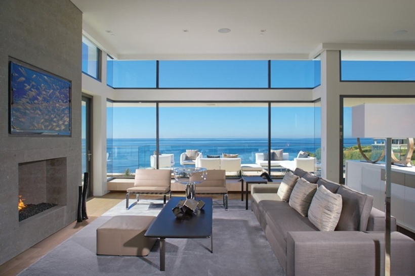 Living room view in Romantic home above the ocean, California