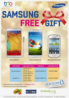 Samsung Galaxy bonus flip cover, kartu memori microSD dan LINE Doll