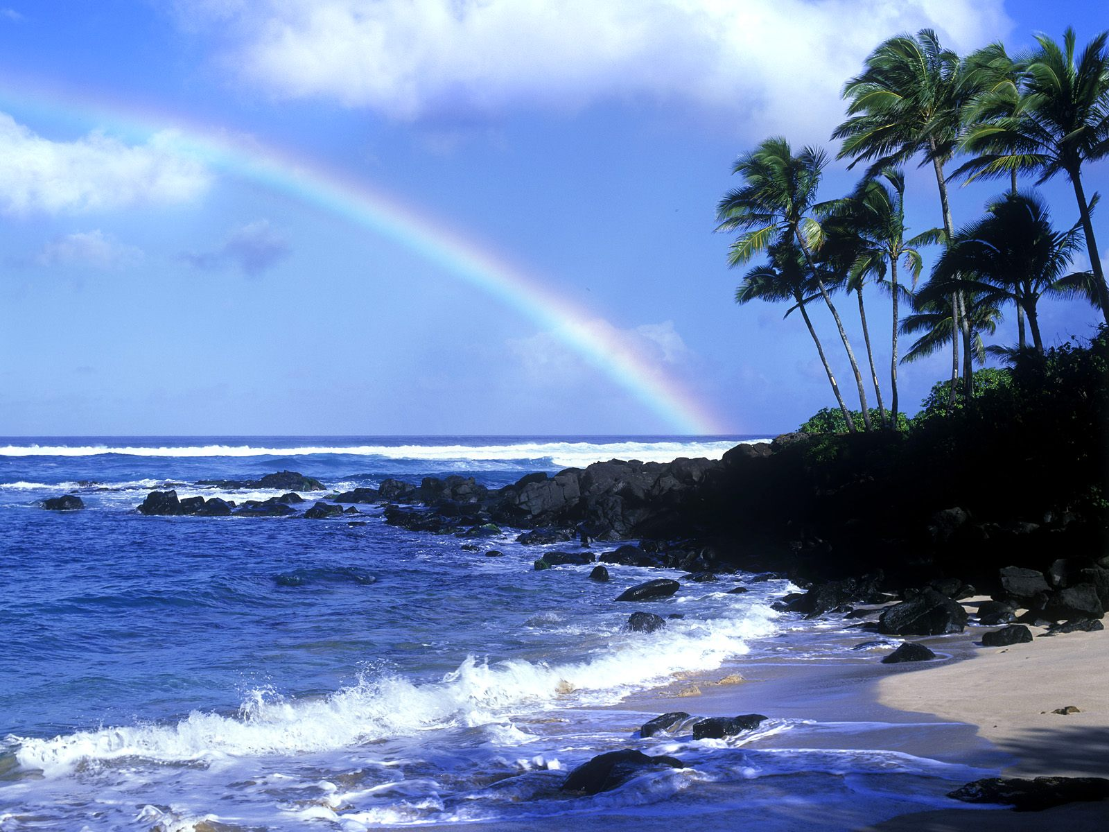 http://3.bp.blogspot.com/-I7II9zFR1YA/T9hkf1CIA0I/AAAAAAAAAiw/vIhHW0yn09A/s1600/Beach+HD+wallpaper+with+raiinbow.jpg