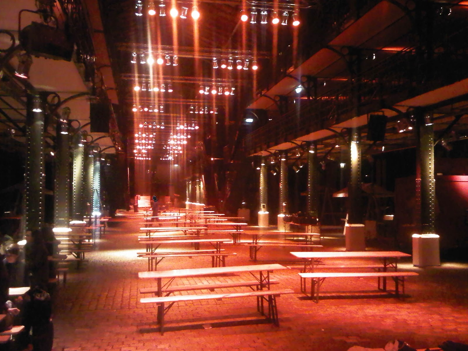 Fischauktionshalle bei Nacht - Hafen Hamburg