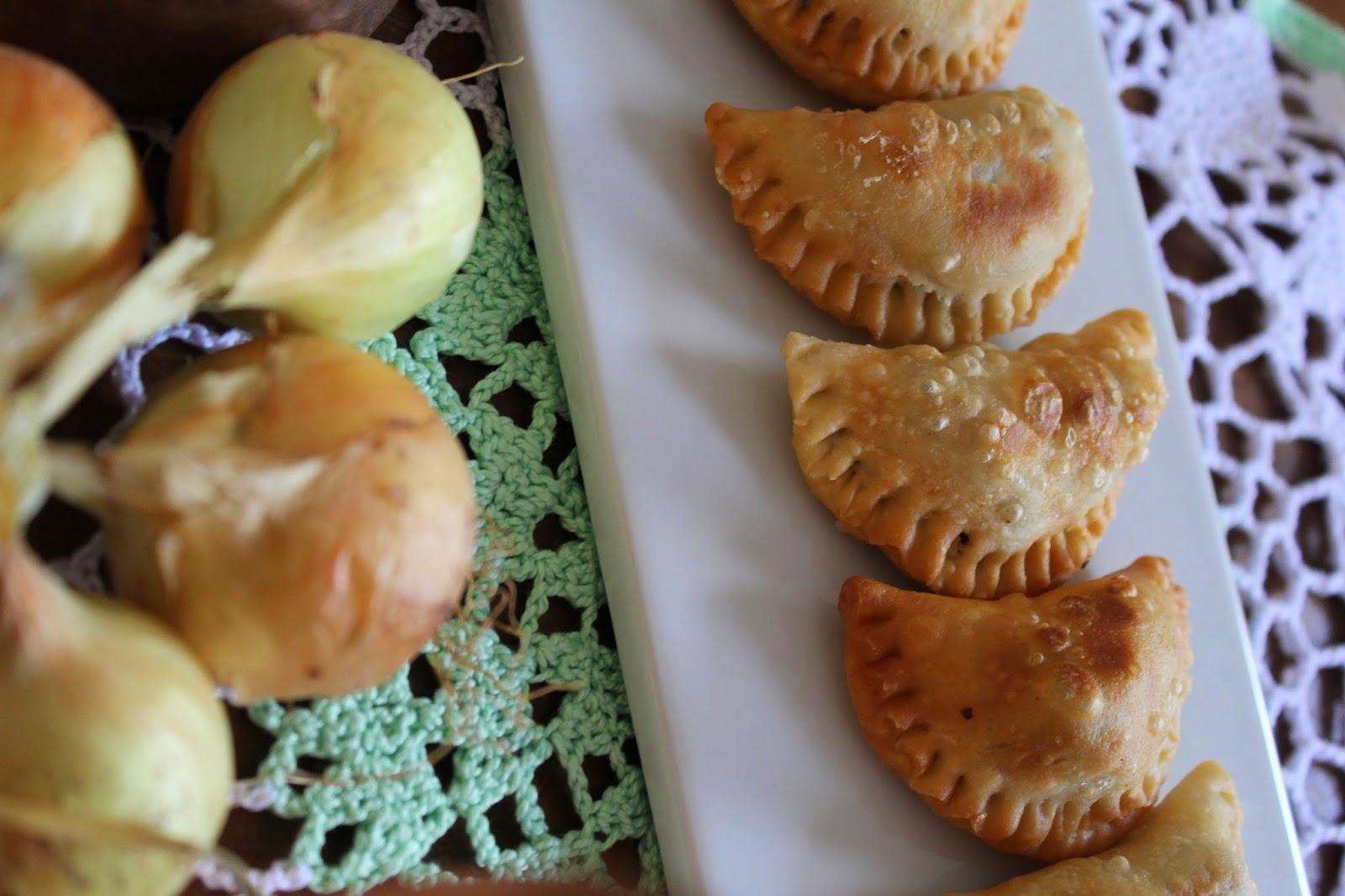samboussek-carne-picada-y-piñones