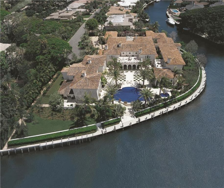 Royal Palm Yacht Club Home