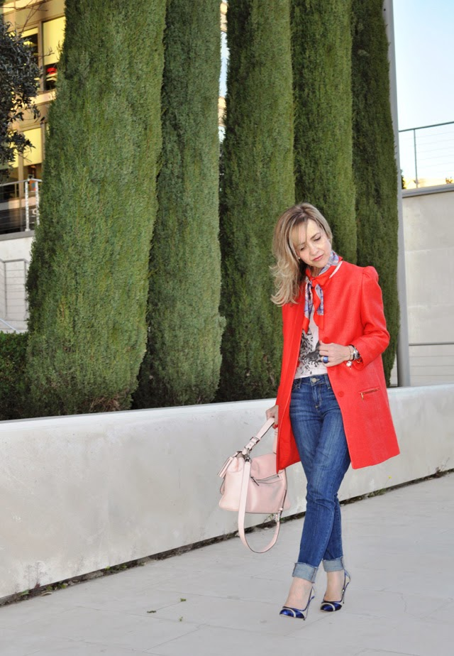 abrigo rojo Zara jeans Paige Denim bolso Coach Red outfit