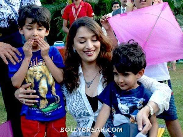 madhuri dixit  - Bollywood Mothers & Celebs with Their Kids