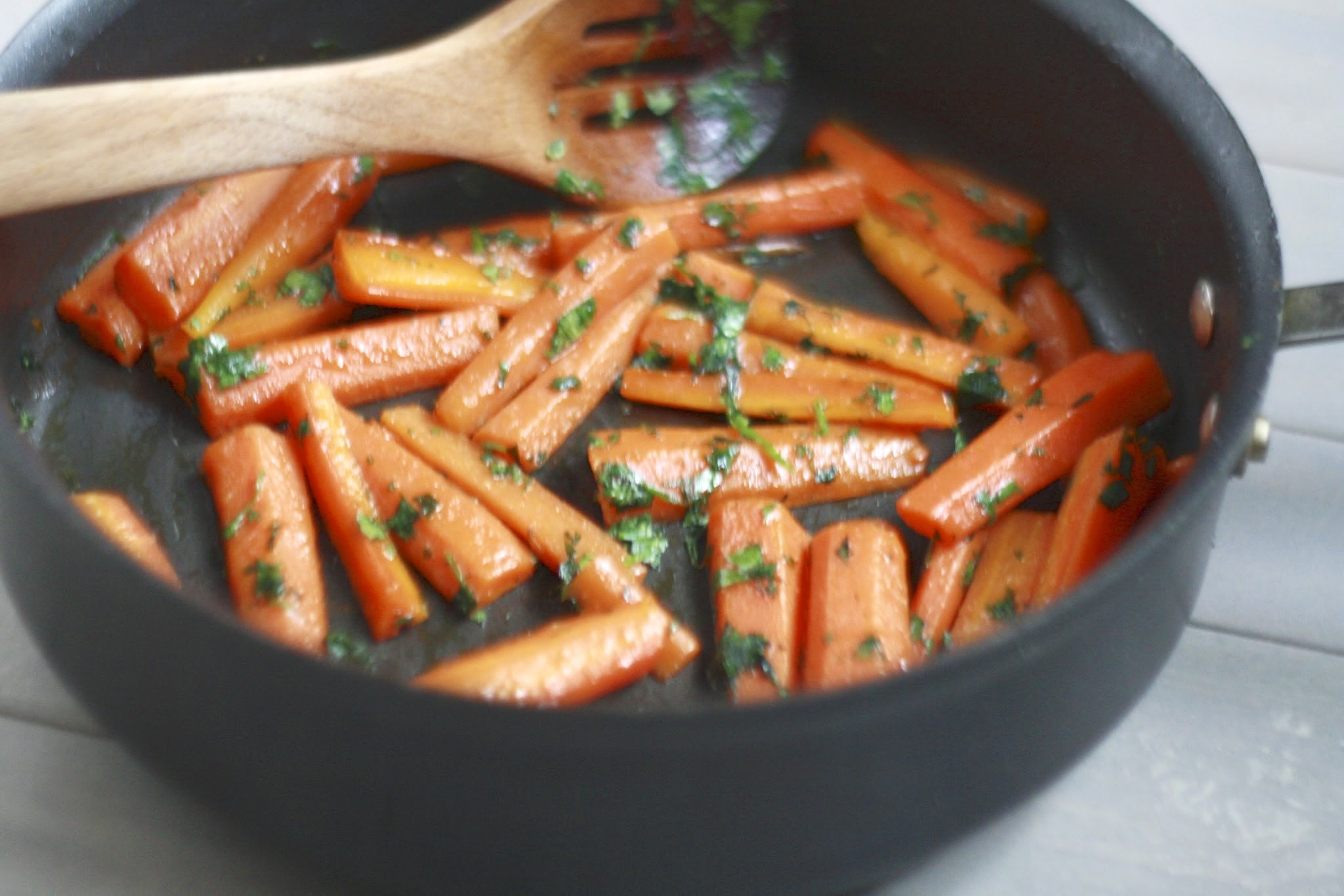 honey-glazed carrots with cilantro