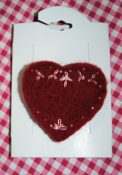 Needle felted heart brooch tutorial