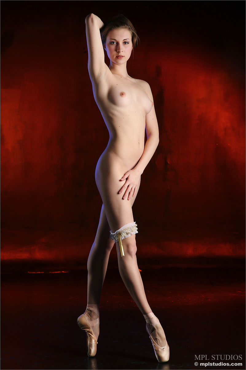 golie-russkie-balerini