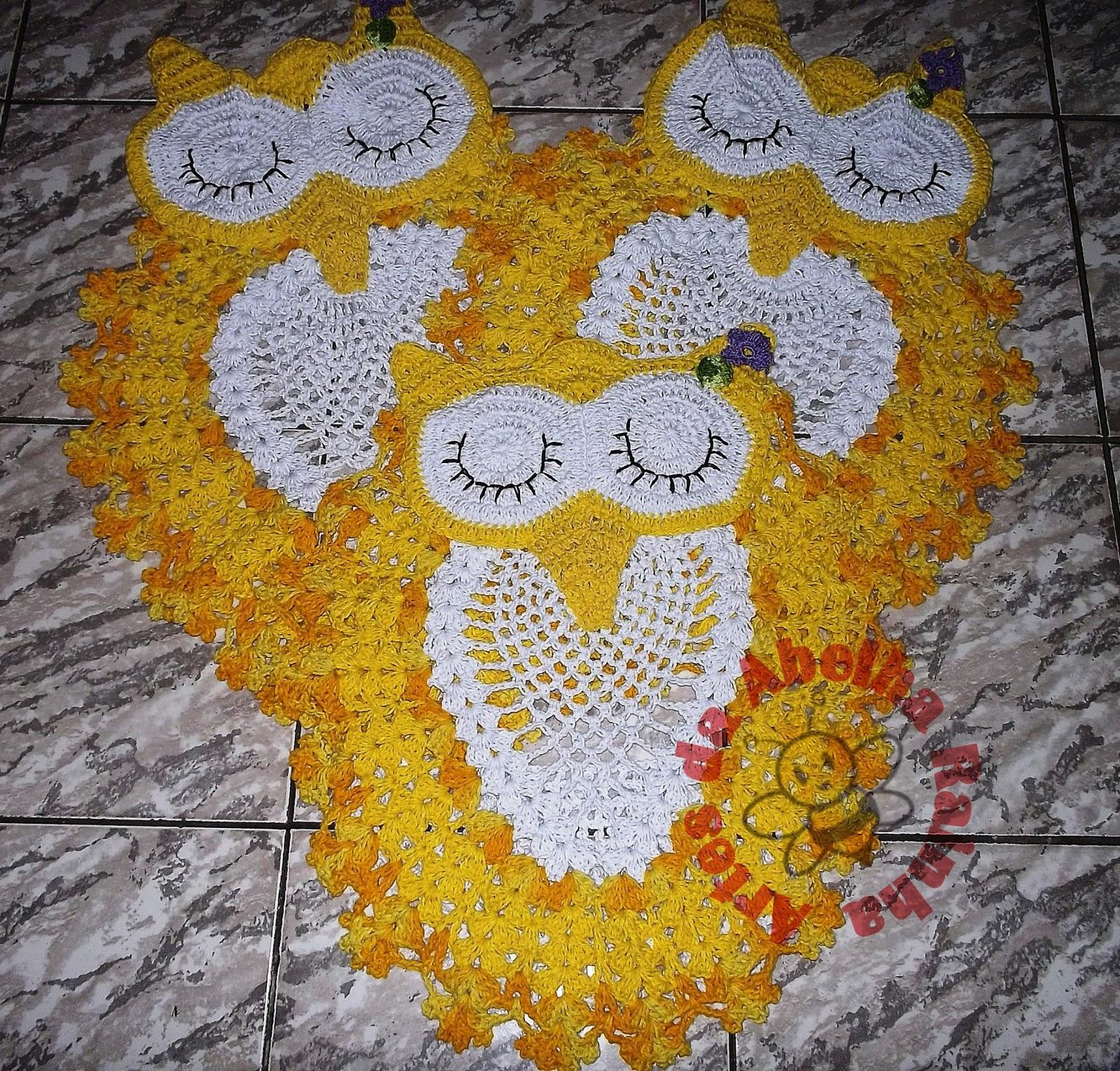 Abelha Rainha: Jogo de Banheiro Coruja amarelo com branco de Crochê #B28619 1600x1529 Banheiro Azul E Amarelo