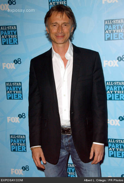 robert carlyle once upon a time