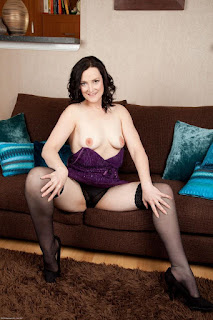 Ordinary Women Nude - sexygirl-emi030NAT_280593036-764842.jpg