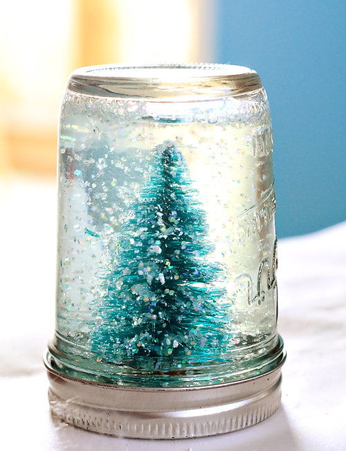 and youre done give your christmas decorations a pretty handmade touch this year using this easy tutorial