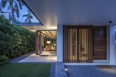 Rumah Minimalis Dengan Fasad Kisi-Kisi 4