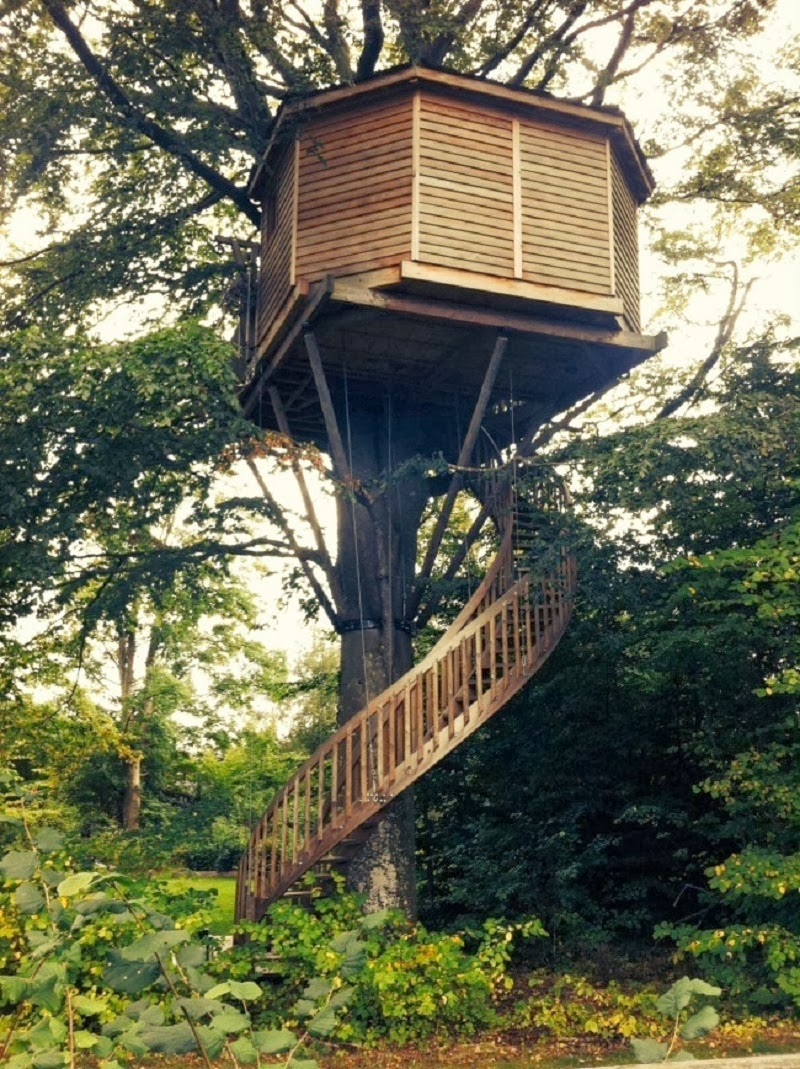 Tree House, Denmark - 10 Really Amazing Cozy Hand-Built Houses!