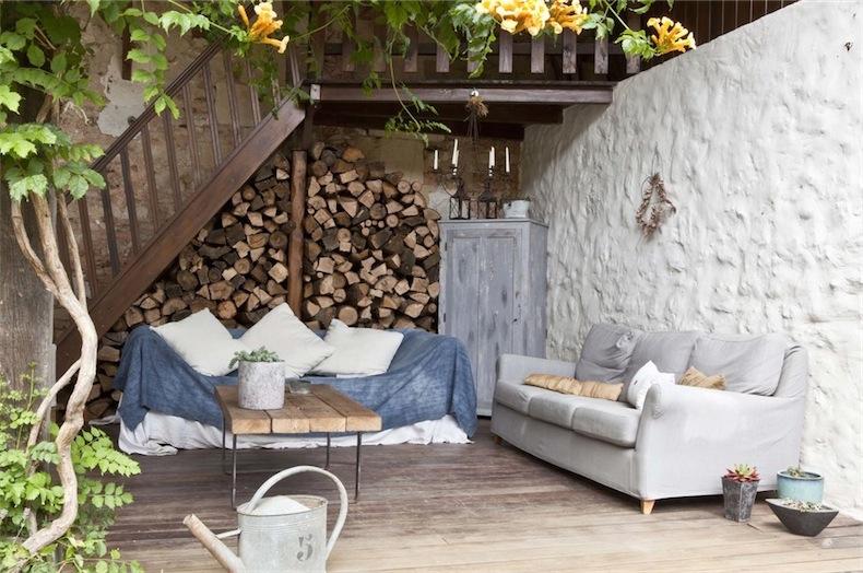 Una casa de campo decorada con piezas vintage country - Pared decorada con fotos ...