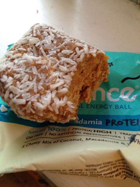 Bounce coconut and macadamia