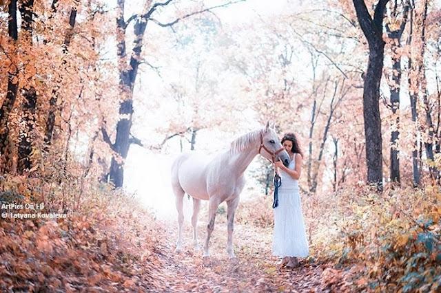 Tatiana Shvetsovaya Digtal Art pics : Women With Horse