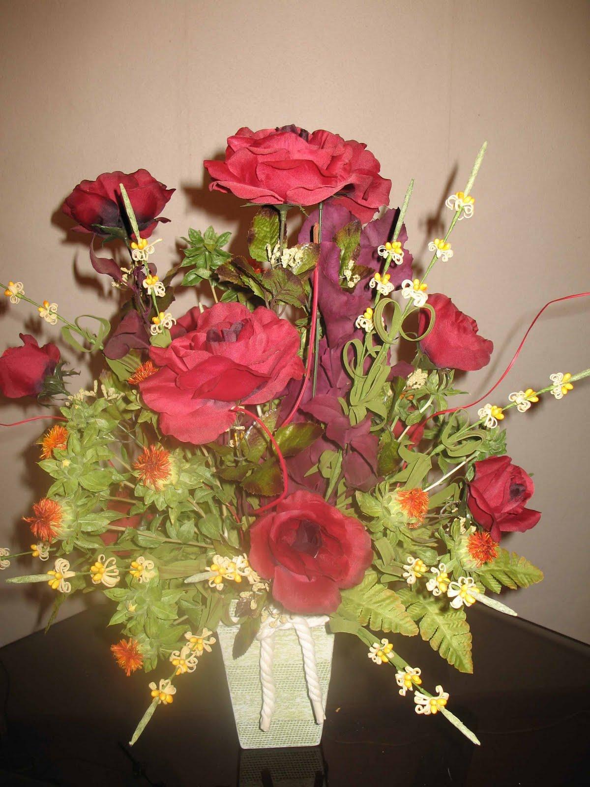 Como hacer arreglos florales artificiales imagui for Como hacer adornos con plantas artificiales