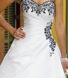 Vestidos de Novia con Flores Negras, parte 2