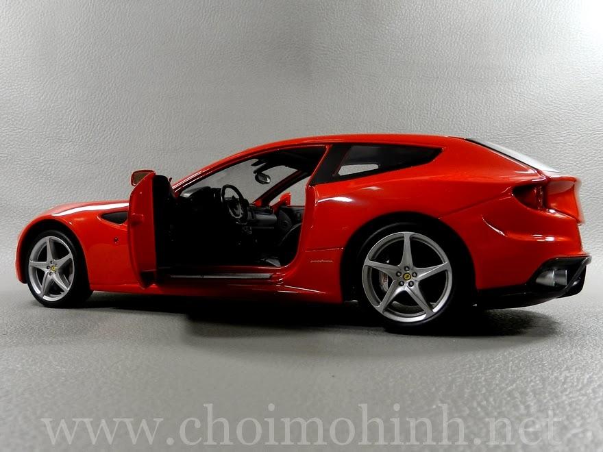 Ferrari FF RED 1:18 Hot Wheels door