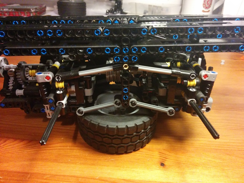 Sheepo's Garage: Mercedes-Benz Arocs 8x8 chassis (unfinished MOC)