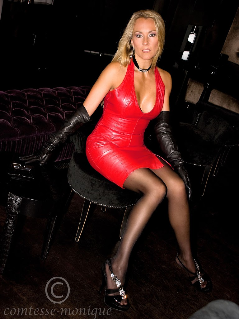 Comtesse Monique red leather dress black leather gloves