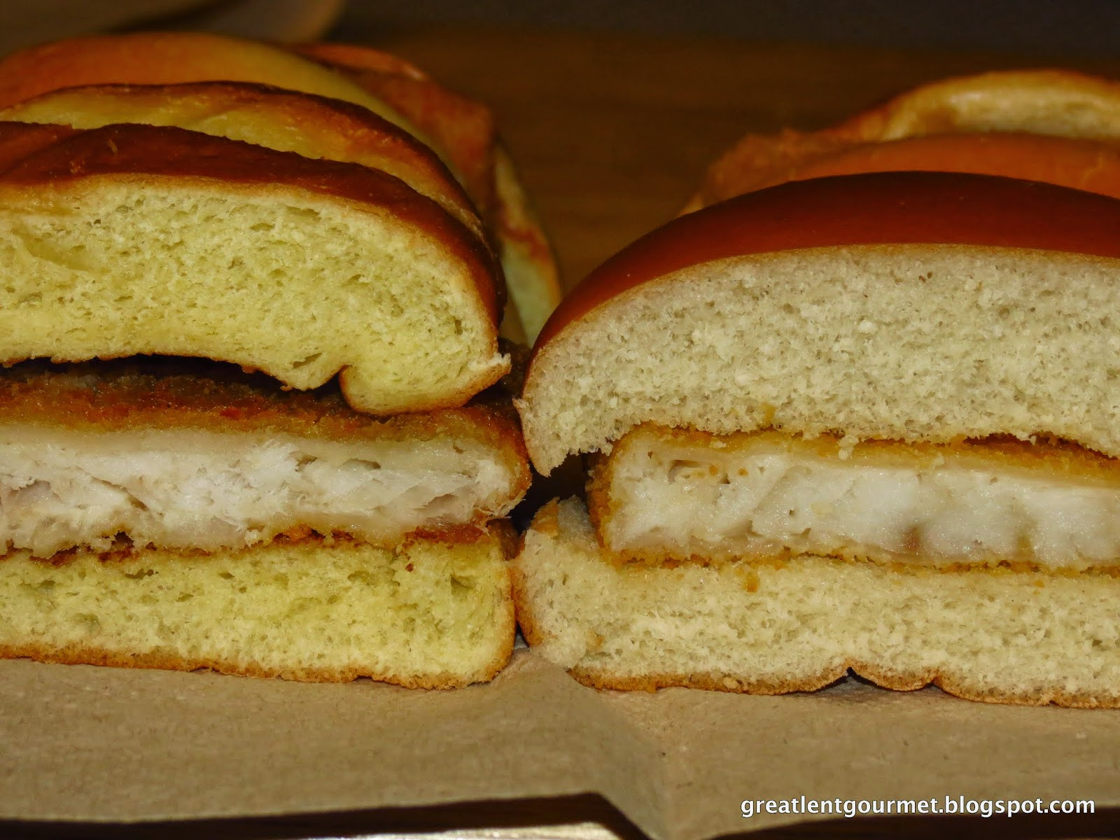 Great lent gourmet day 23 mcdonalds filet o fish vs for Mcdonalds fish sandwich